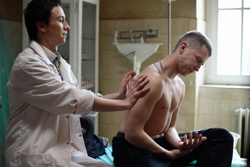 """Kadr z filmu """"Senność, reżyseria:  Magdalena Piekorz, 2008. Na zdjęciu: Rafał Maćkowiak i Bartosz Obuchowicz, fot. Agata Stoińska"""