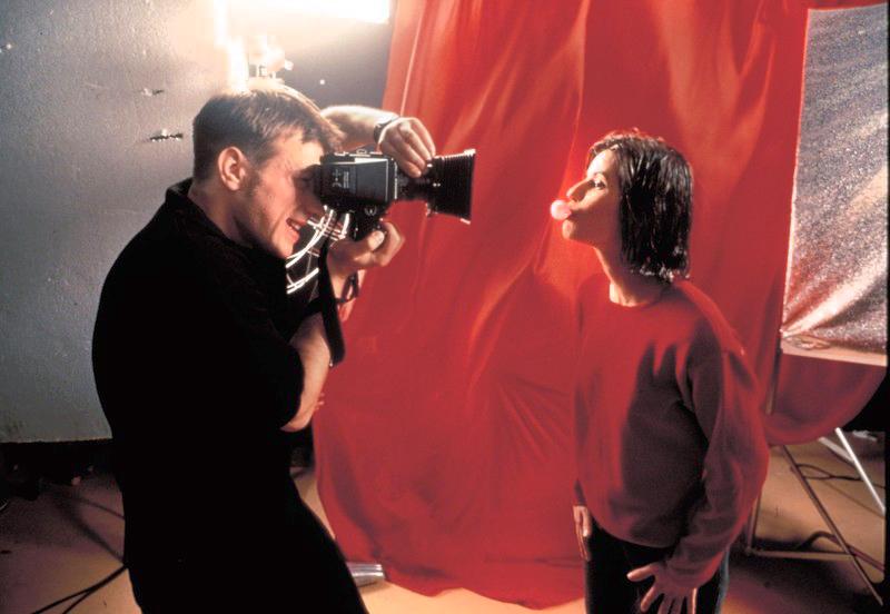 """Kadr z filmu """"Trzy kolory: Czerwony"""", 1994fot. CAB Productions/East News"""