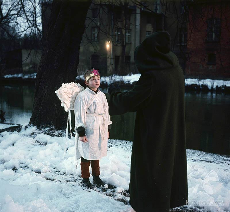 """""""Wśród nocnej ciszy"""", reż. Tadeusz Chmielewski, 1978, nz. Jacek Kuszkowski, fot. Jerzy Szurowski/Studio Filmowe Kadr/www.fototeka.fn.org.pl"""