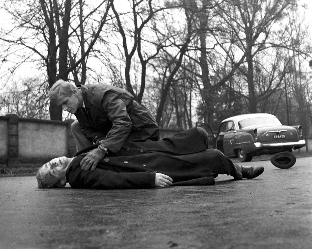 Кадр из фильма «Друг», реж. Марек Новицкий и Ежи Ставицкий, 1965 год. На фото: Юзеф Перацкий и Петр Куровский, фото: Национальная фильмотека / www.fototeka.fn.org.pl