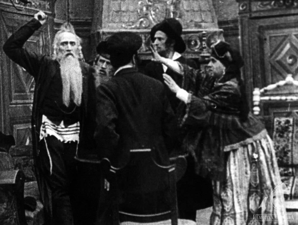 """Kadr z filmu """"Meir Ezofowicz"""", reżyseria: Józef Ostoja-Sulnicki, 1911, fot. Filmoteka Narodowa/www.fototeka.fn.org.pl"""