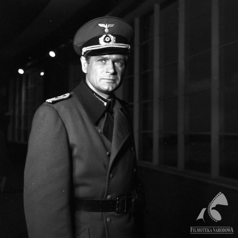 """Stanisław Mikulski w """"Stawce większej niż życie"""", fot. Jerzy Troszczyński, Fototeka Filmoteki Narodowej/ www.fn.org.pl"""