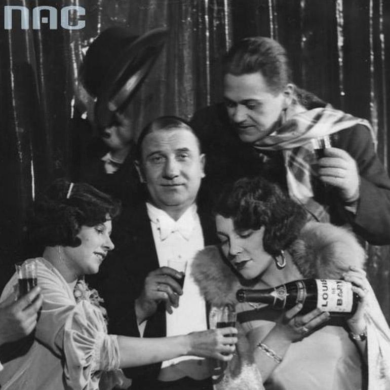Bal sylwestrowy w teatrze Morskie Oko w Warszawie, Zula Pogorzelska, Janina Sokołowska, Władysław Walter, Eugeniusz Bodo, 1930