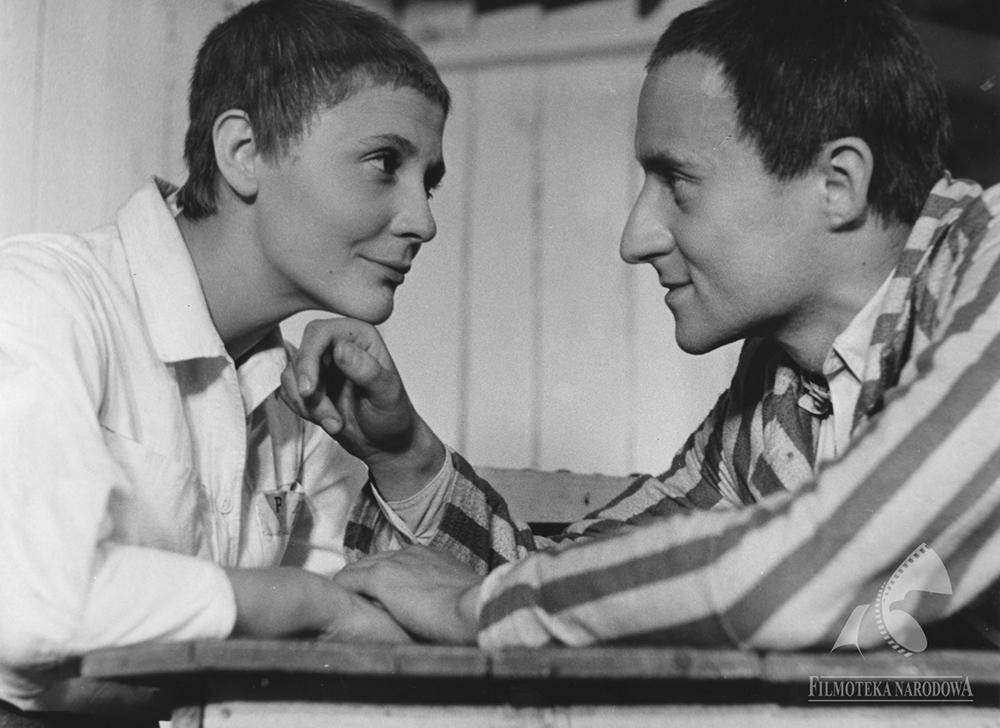 """Marek Walczewski w filmie""""Pasażerka"""", rezyseria: Andrzej Munk , 1963, fot.  Studio Filmowe Kadr/Filmoteka Narodowa/www.fototeka.fn.org.p"""