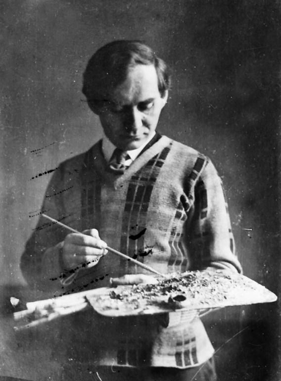 Karol Hiller with a palette, Łódź, 1937-1939, photo: Museum of Art in Łódź