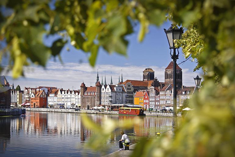 Gdańsk from the shore, photo: Dariusz Zarod / East News