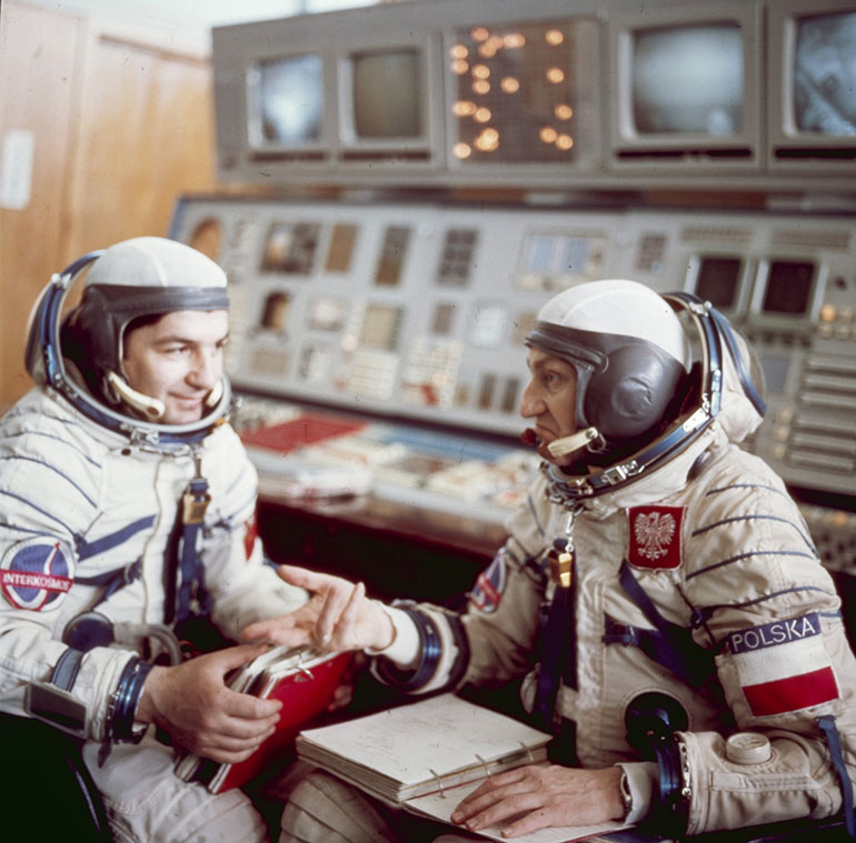 Soyuz 30 crew: Pyotr Klimuk and Mirosław Hermaszewski during training in 1978, photo: SovFoto / Universal Images Group / East News