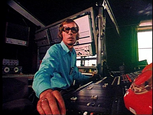 Eugeniusz Rudnik in the Experimental Studio in 1981. Still from Gieniu, Ratuj!. 2008. Film: color, 28 minutes. Directed by Bolesław Błaszczyk. Image courtesy of Bolesław Błaszczyk