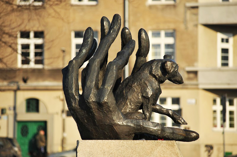 A monument of the dog Dżok, fot. Wojciech Strożek / Reporter / East News
