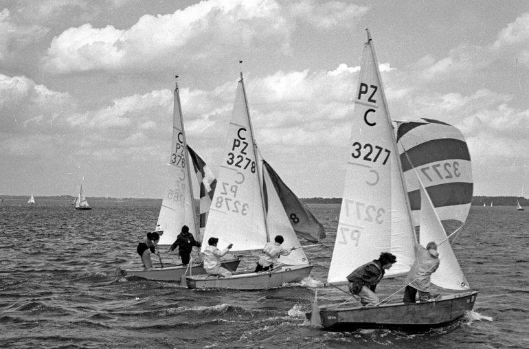 Giżycko, 1968. Żeglarskie Mistrzostwa Świata Klasy Cadet, fot. Mirosław Stankiewicz / Forum
