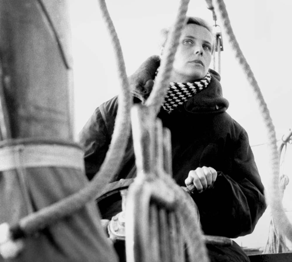 Агнешка Осецкая на Мазурских озерах, 1960, фото: Артур Старевич / East News