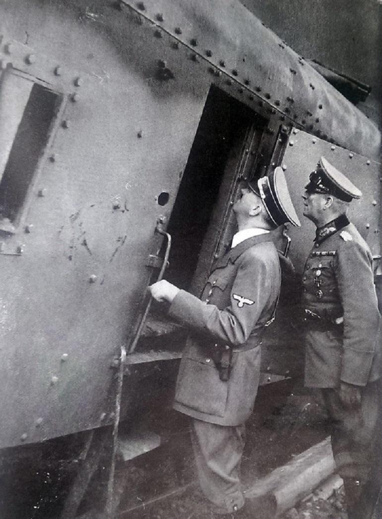Adolf Hitler observes a destroyed Polish armoured train, photo: Piotr Kamionka / REPORTER