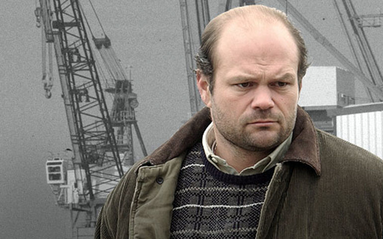 /sites/default/files/images/imported/inne/POLISH_CITIES_2/the_wire_frank_sobotka.jpg Chris Bauer as Frank Sobotka, promo materials