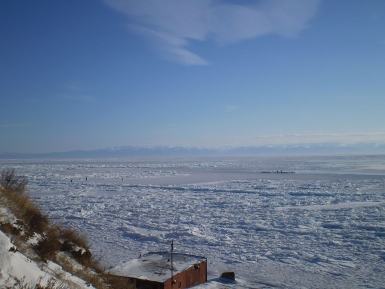 Lake Baikal in winter. The area was explored by Polish 19th century botanist Bendykt Dybowski; Photo: Suicup, CC BY-SA 3.0