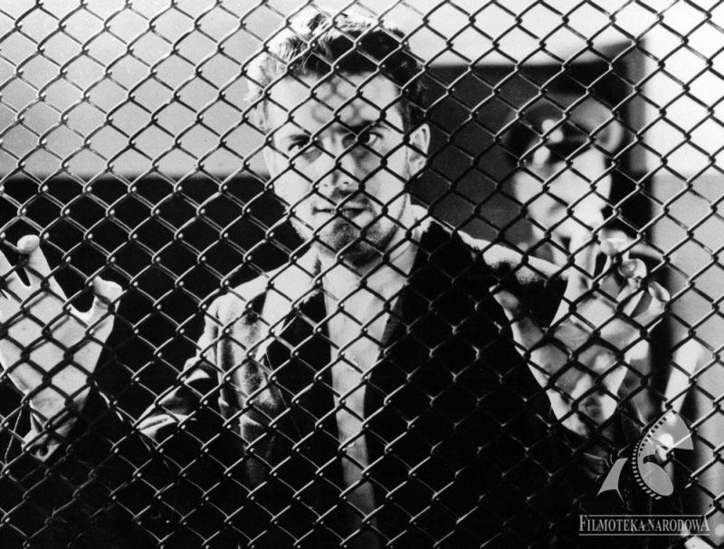 """Adam Brodzisz w filmie """"Dziesięciu z Pawiaka"""", 1931, fot. fot. Filmoteka Narodowa/www.fototeka.fn.org.pl"""