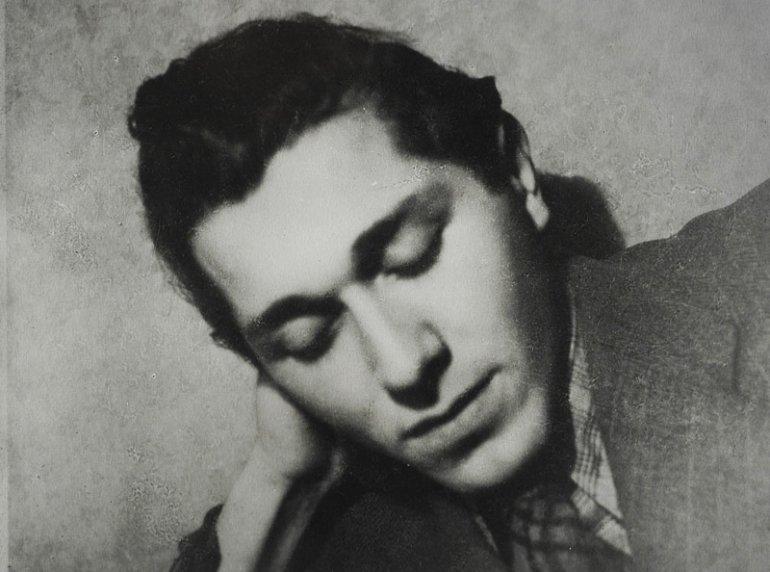 Portret Tadeusza Gajcego, 1945, fot. Benedykt Jerzy Dorys / Biblioteka Narodowa