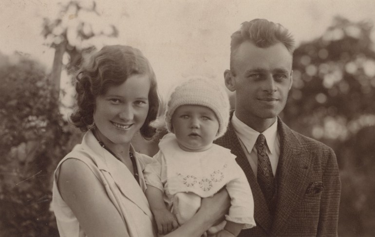 Pilecki with his wife and daugther, photo: public domain