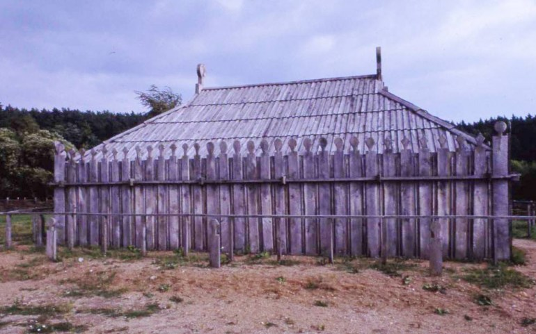 9th-century Slavic temple as reconstructed at the Archäologische Freilichtmuseum Groß-Raden (Slav. Radegoszcz, or Retra)