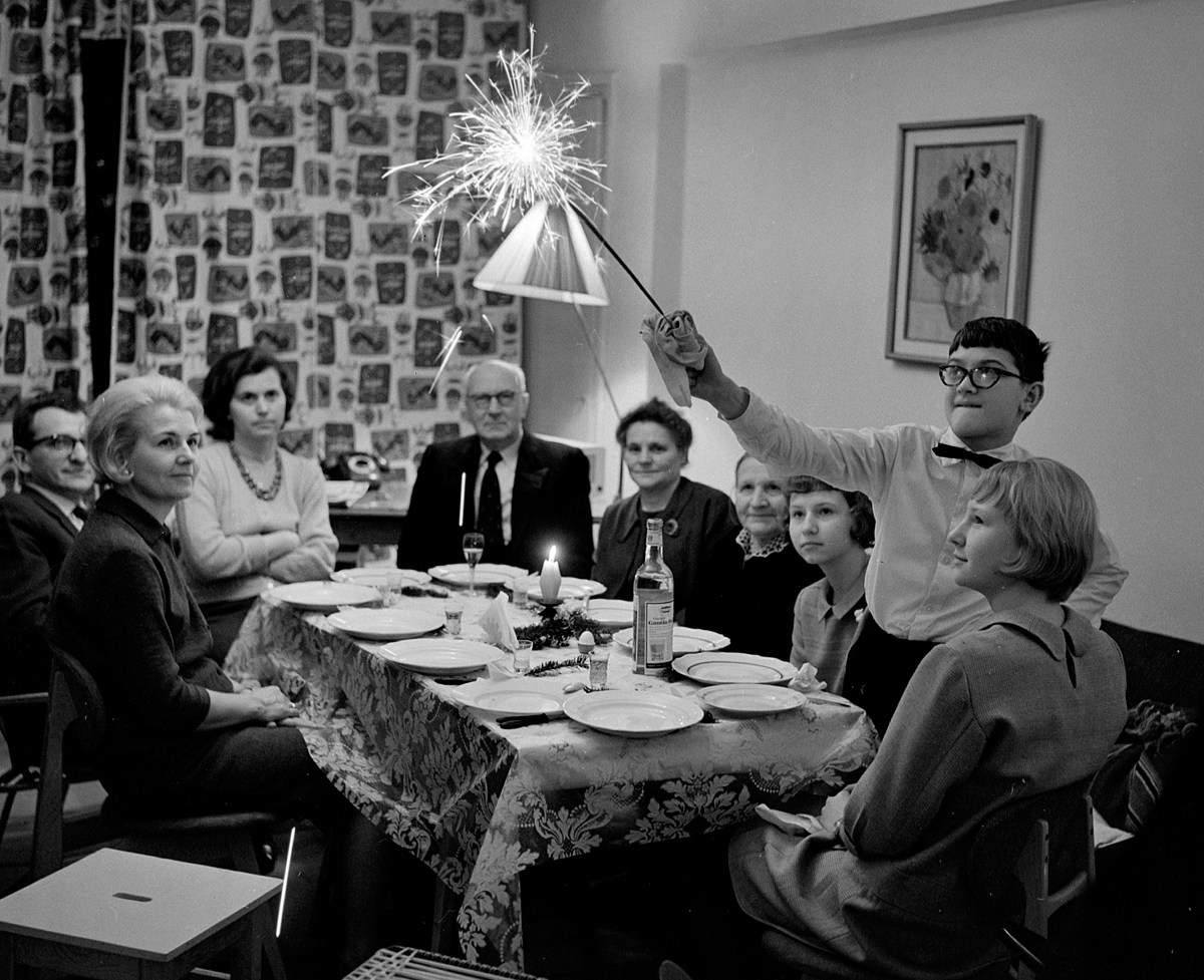 Christmas Eve dinner, Poland, 1966, photo: Romuald Broniarek / Forum