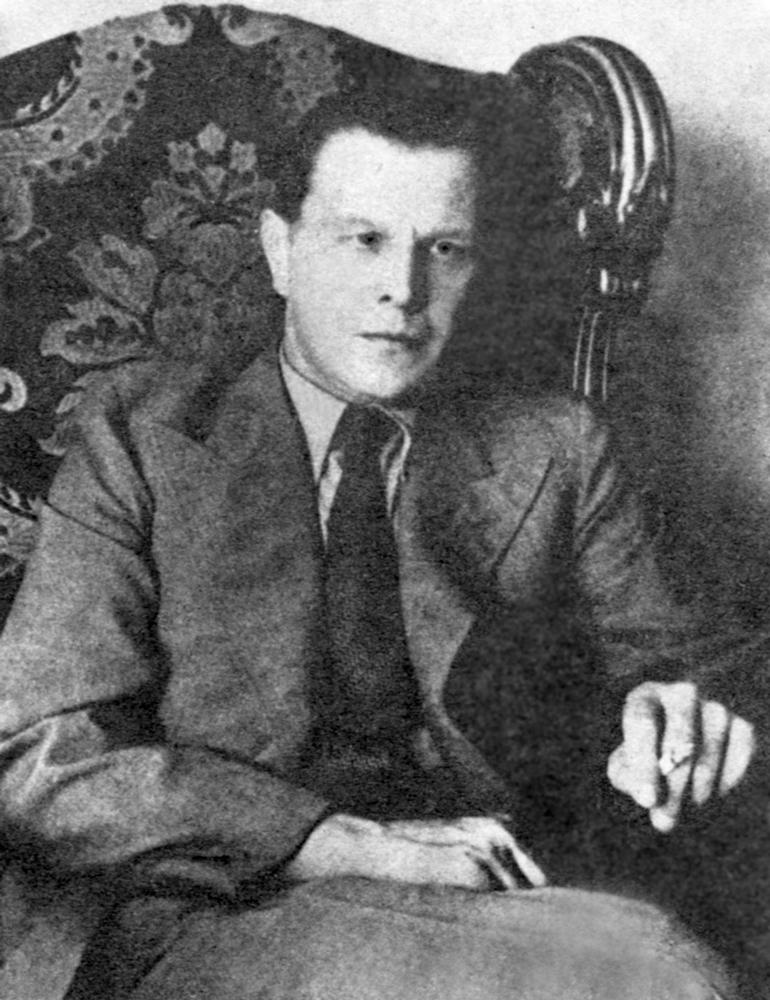 Tadeusz Dołęga Mostowicz,  originally published in W. Pietrzak, Rachunek z dwudziestoleciem; Warsaw, 1972, fot. CC BY 2.0 / Wikimedia