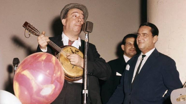 Bal Budowniczych Warszawy, 1962, na zdjęciu: z lewej Stanisław Grzesiukot., fot. Zbyszko Siemaszko / Forum