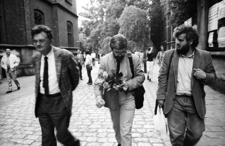Od lewej: Jan Błoński, Stanisław Barańczak, Marian Stala. Fot. Andrzej Stawiarski / Forum