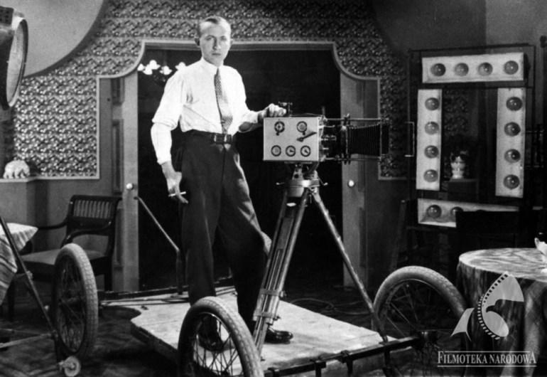 """Scena z filmu """"Uroda życia"""", w reżyserii: Gardan Juliusz, 1930. Na zdjęciu: Feliks Matuszelański, fot. Studio Filmowe Kadr / Filmoteka Narodowa/www.fototeka.fn.org.pl"""