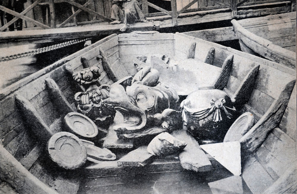 Elements found in the river in 1906 by Warsaw sand miners - photographed for the local newspaper in 1906; photo: courtesy of Hubert Kowalski