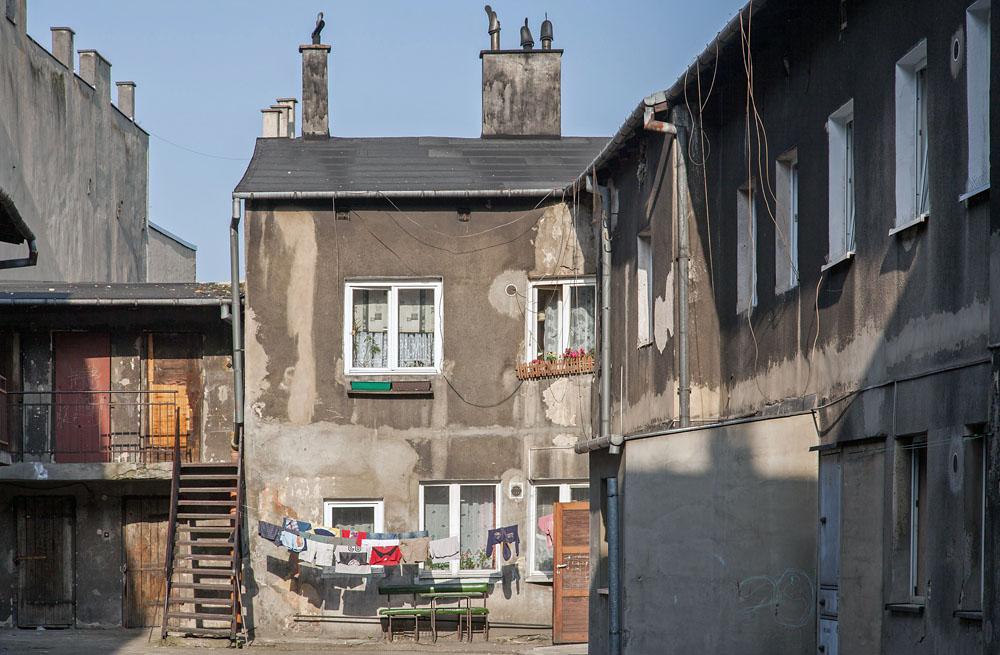 Częstochowa, podwórze przy ulicy Ogrodowej, fot. Wojciech Wojcik / Forum
