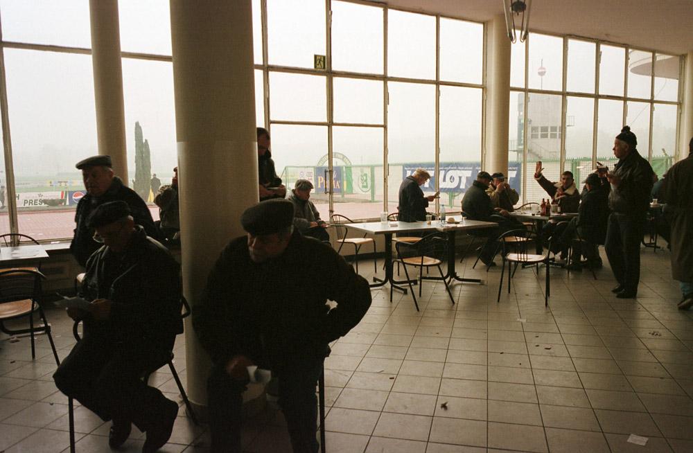 Warszawa, Służewiec, Tor Wyścigów Konnych, lata 90., fot. Adam Chełstowski / Forum