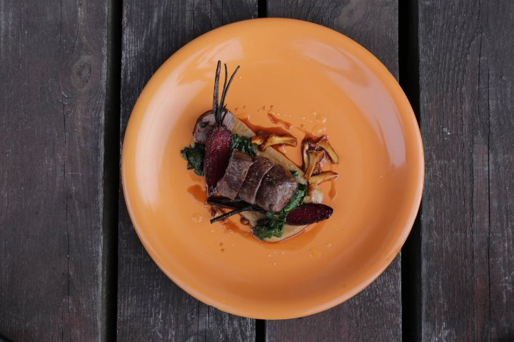 Meat dish with chanterelles, Photo: IAM