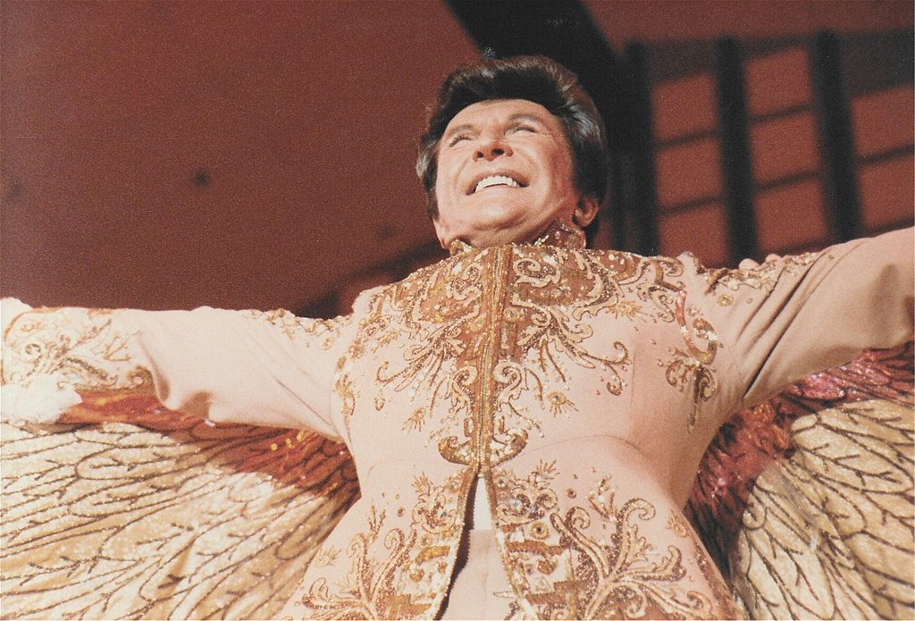 Liberace in 1968, photo by Alan Light / CC BY 2.0