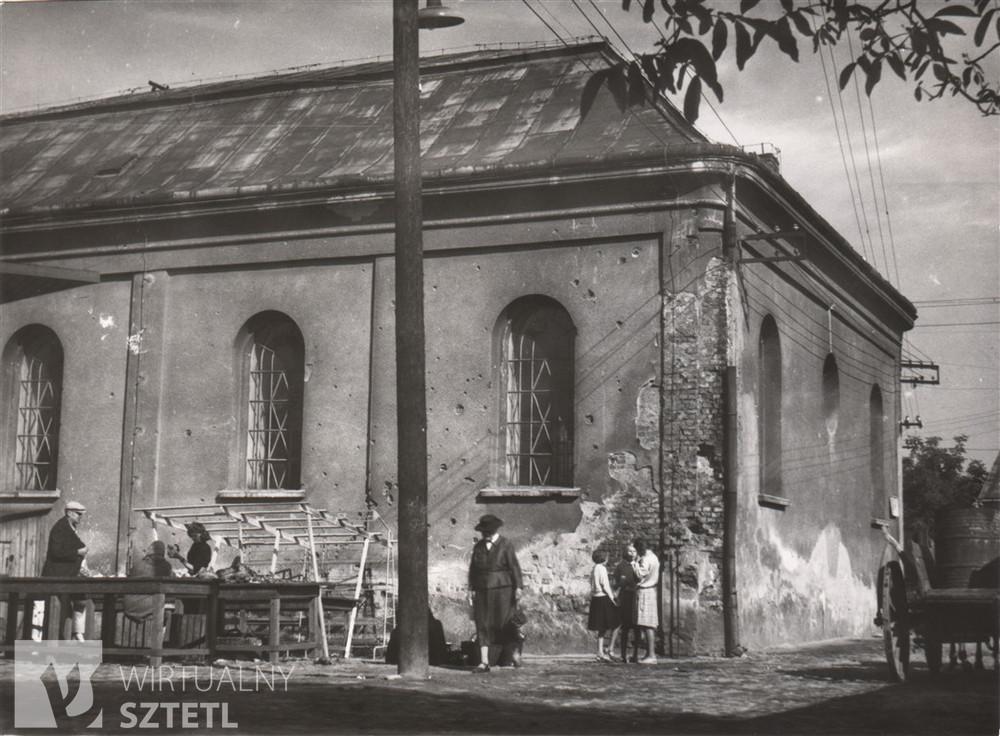 Synagoga w Dębicy, ul. Krakowska 3, 1961, fot. Jerzy Żurawski / źródło: www. sztetl.org.pl