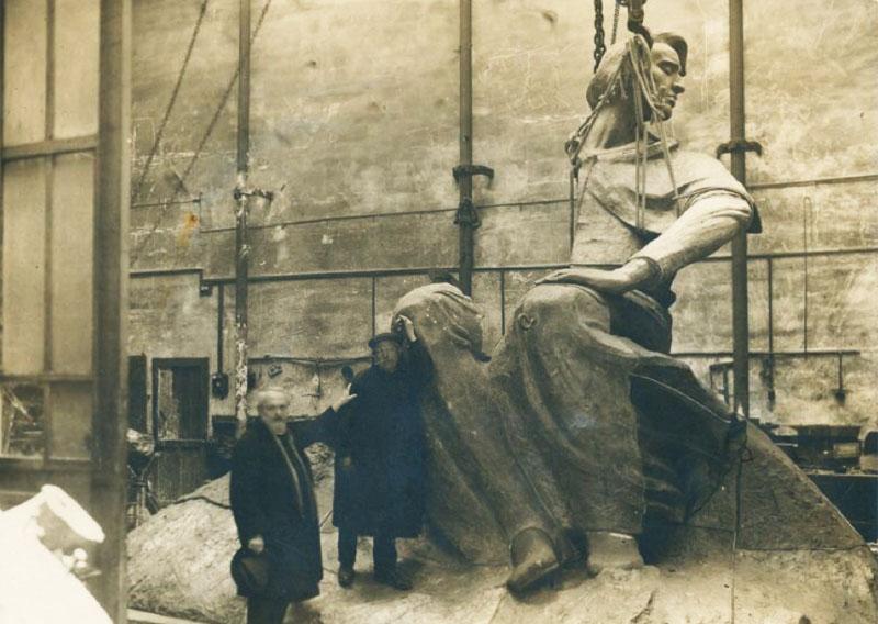 Pomnik Fryderyka Chopina w trakcie montażu, Warszawa, 1926, fot. Polona