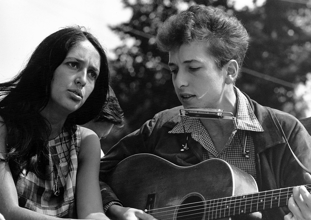 Bob Dylan with Joan Baez during the civil rights 'March on Washington for Jobs and Freedom', 28th August 1963
