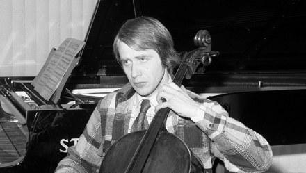 Roman Jabłonski, Warszawa, 29.01.1976, wiolonczelista. Fot. Jerzy Płoński / FORUM