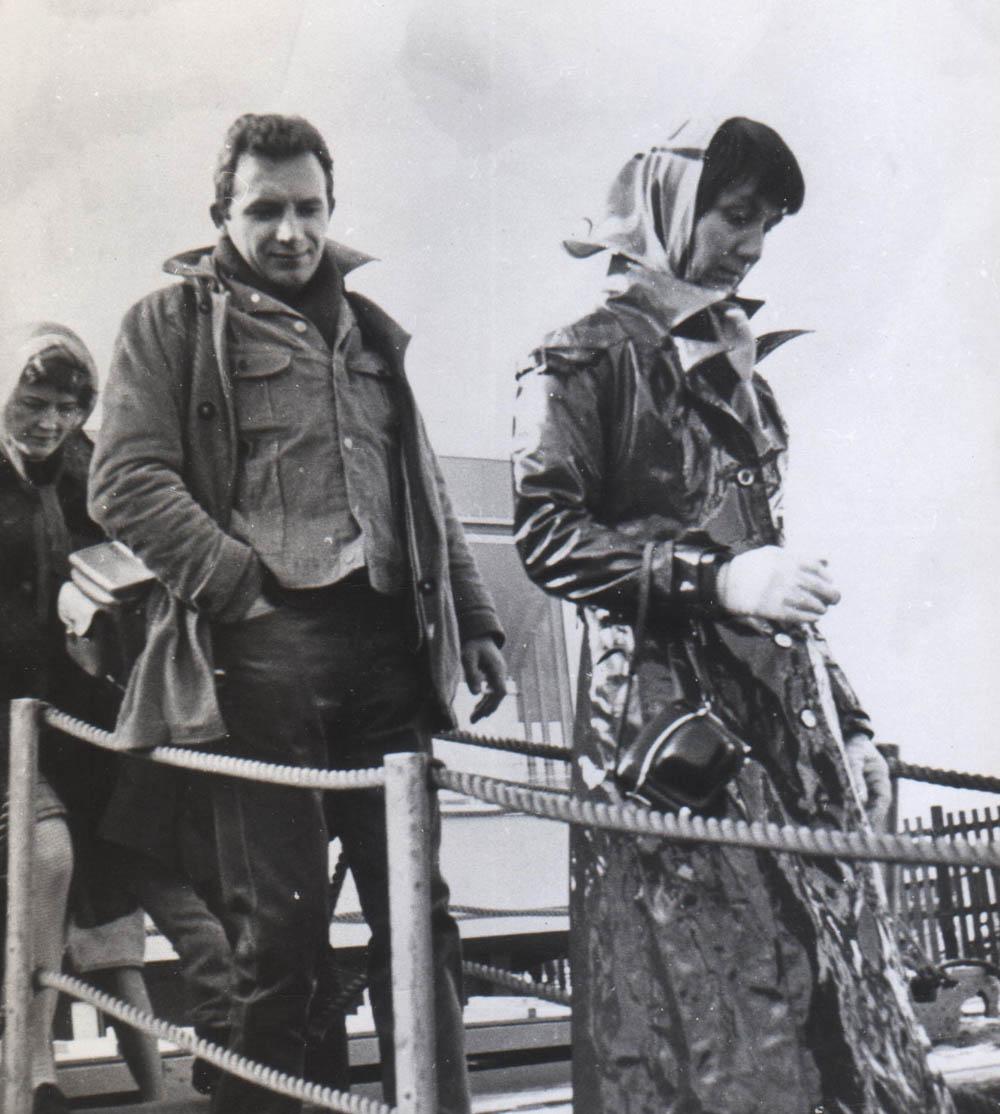 Edward Stachura na statku w Rotterdamie, rep. ilustracja z książki