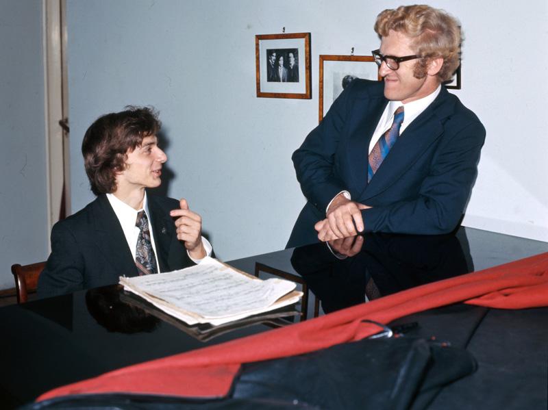 Krystian Zimerman i prof. Andrzej Jasinski, 1975, Katowice, fot. Bogdan Łopieński / Forum