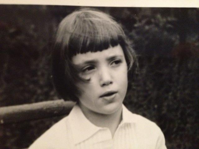 Młoda Maria Jastrzębska w Ealing