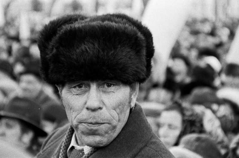 """Hot Winter"" 1990, the portrait of a participants of one of the many manifestations of the democratic opposition, photo: Ryszard Kapuściński"