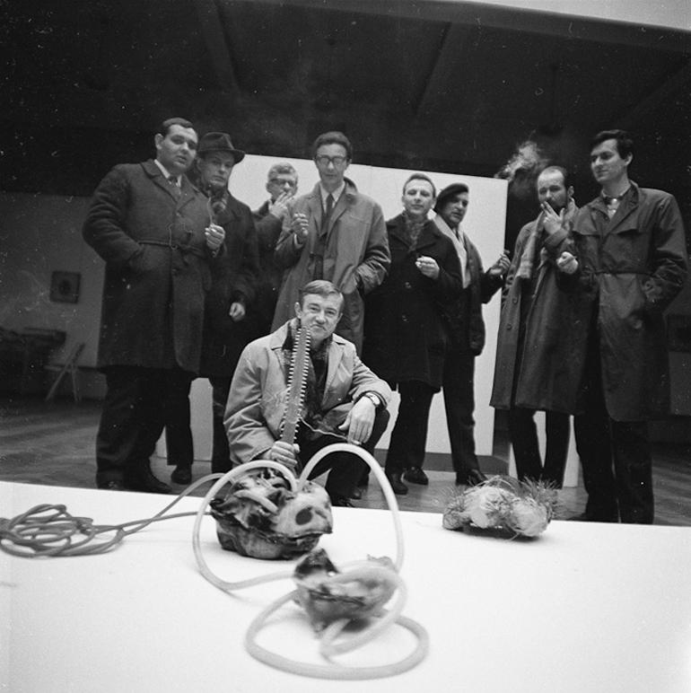 """""""I Pokaz Synkretyczny"""" Włodzimierza Borowskiego, 1966, Galeria BWA w Lublinie, fot. © Anka Ptaszkowska / materiały Muzeum Sztuki Nowoczesnej w Warszawie"""