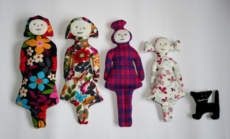 """Małgorzata Markiewicz, """"Patchworkowe rodzinki"""", 2010, projekt zabawki dla Małego Klubu Bunkra Sztuki w Krakowie, fot. dzięki uprzejmości artystki"""