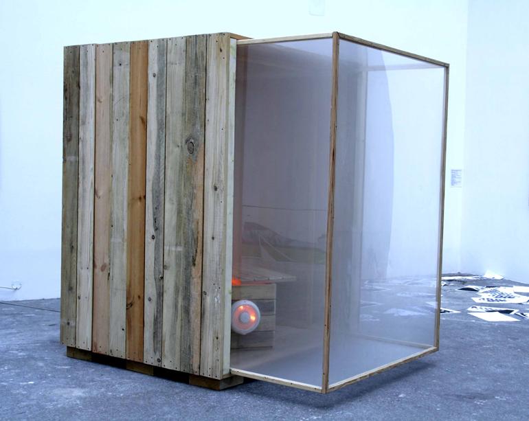 """Angelika Markul, """"Ogień w wodzie"""", Prix Altadis, Cosmic Galerie, Paryż 2007 fot. Angelika Markul"""