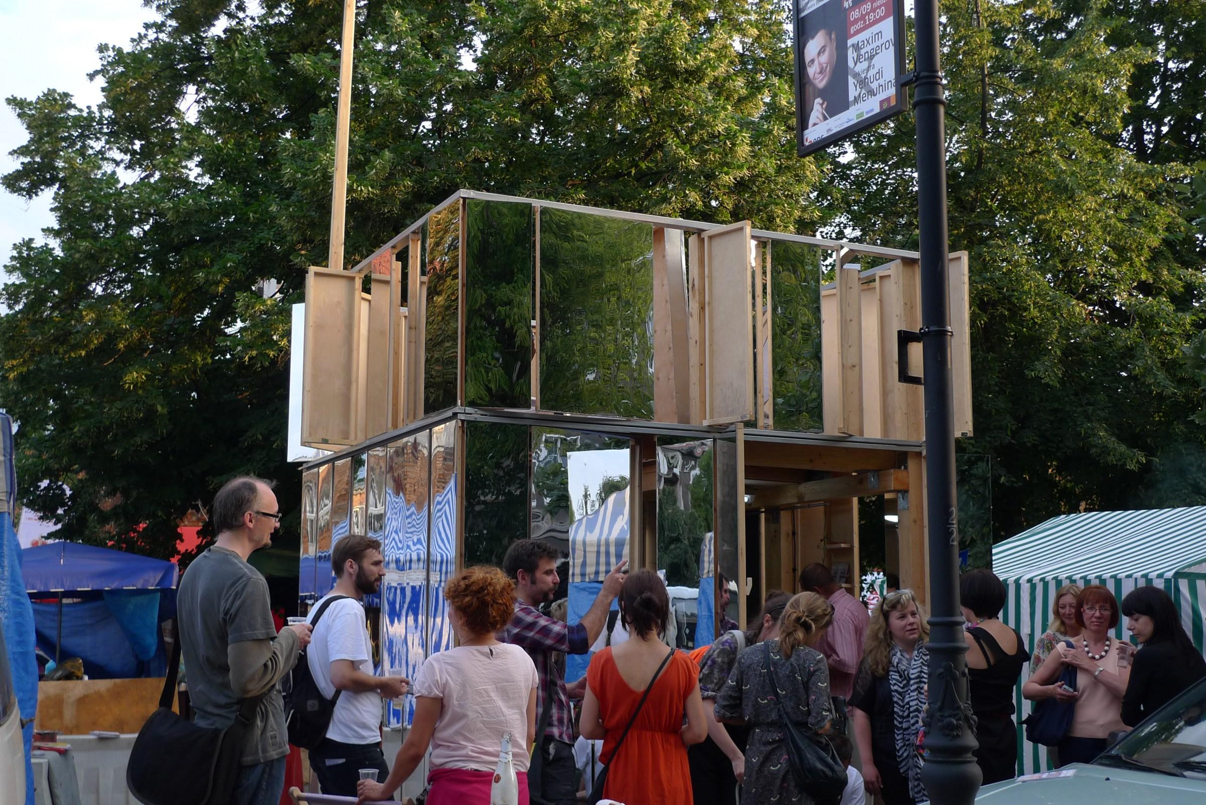 Kiosk Wirtualnej Strefy Ekonomicznej, Gdańsk, autorzy: Maciej Czeredys, Natalia Romik, fot. dzięki uprzejmości artystów