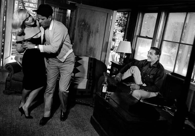 Мэрилин Монро в фильме «Неприкаянные» была темой одного из поздних «шизоаналитических» текстов Пейпера. Кадр из фильма «Неприкаянные» («The Misfits»), реж. Джон Хьюстон, 1961. На фотографии: Мэрилин Монро, Монтгомери Клифт, Кларк Гейбл, фото: U D HO