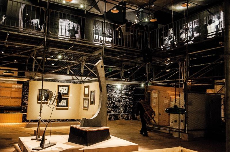 Tadeusz Kantor Machine, exhibition view, Sesc Consolação. In the centre: Goplana, 1943/1981, photograph: Ines Correa