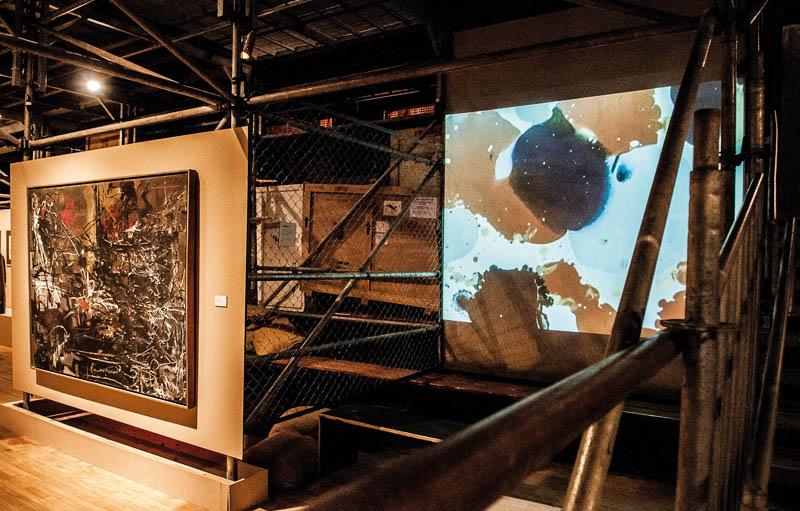 Tadeusz Kantor Machine, exhibition view, Sesc Consolação. Left:Pacific VI, 1957, right: Somnambulists, 1958. Photograph: Ines Correa.