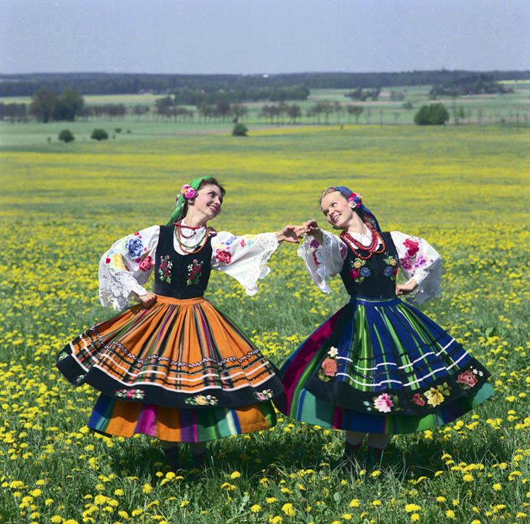Ансамбль песни и пляски «Силезия»: «Ловичанки». Фото: Войцех Крынский/ Forum
