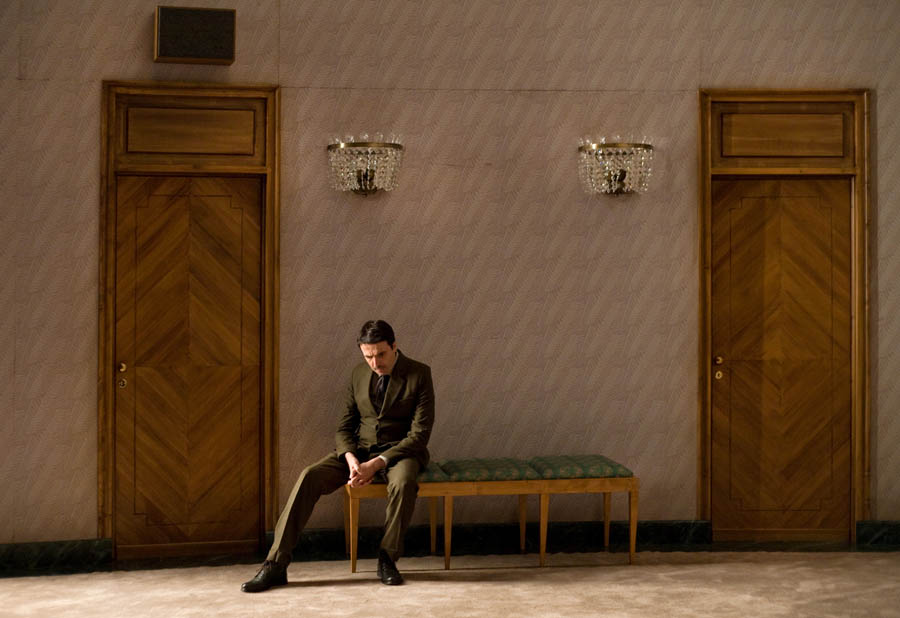 Jan Karski personified by Frédéric Nauczyciel in the French stage production Jan Karski. My Name is Fiction directed by Nauzyciel. Photo: Frédéric Nauczyciel  Centre Dramatique National Orléans Loiret Centre