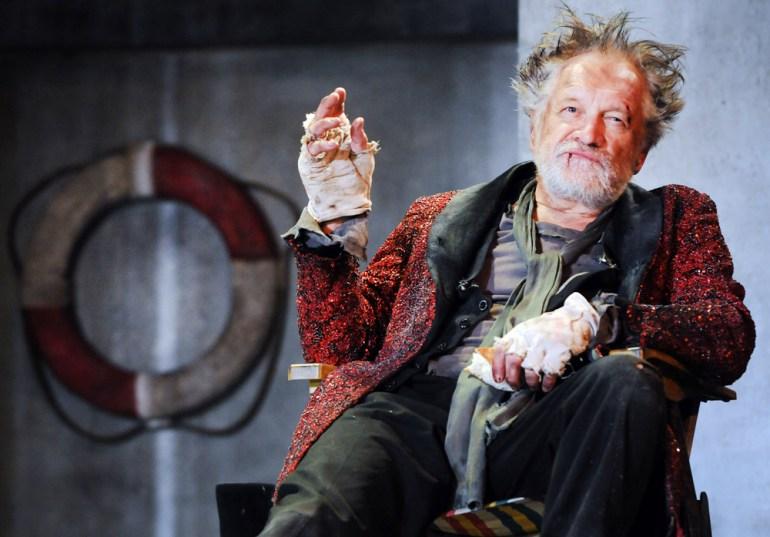 Анджей Северин в спектакле «Буря», реж. Дан Джеммет, «Театр Польский». Фото: Эугениуш Хельберт/Forum